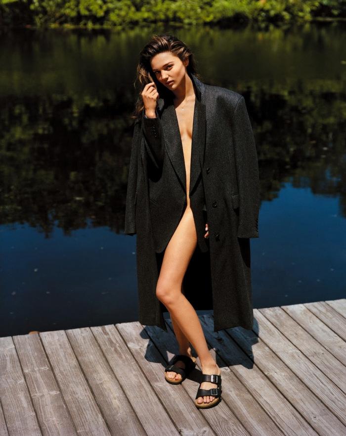 Vogue-UK-September-2013-Miranda-Kerr-by-Alasdair-McLellen-3